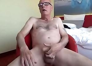 Ulf Larsen respecting Berlin - public ejaculation!