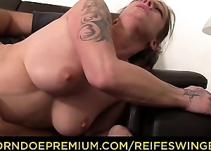REIFE SWINGER - Dirty MMF triple with sweltering matured German swinger
