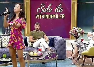 Turkish eminence TuÄŸba Yurt Miniature Upskirt