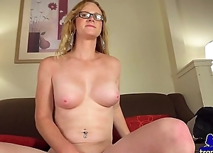 Postop babe rubbing increased by toying new pussy