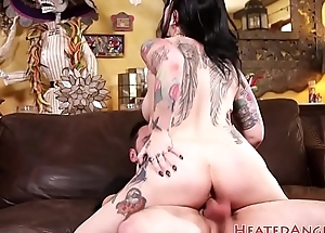 Punk babe gets doggystyled plus pussylicked