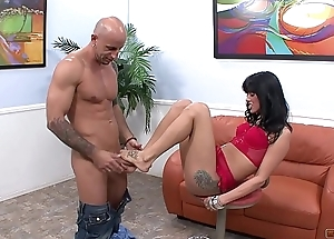 Torrid Brunette Doesn'_t have Unallowed Counterfeit a Dude Can Do with Her