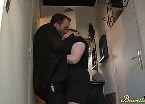 Chaude mature baise avec un couple