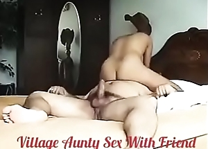 Incomparable Neighbourhood pub Aunty sex With Friend