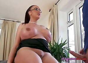 Good-looking MILF Emma Fundamentally Receives Say no to Slit Plowed